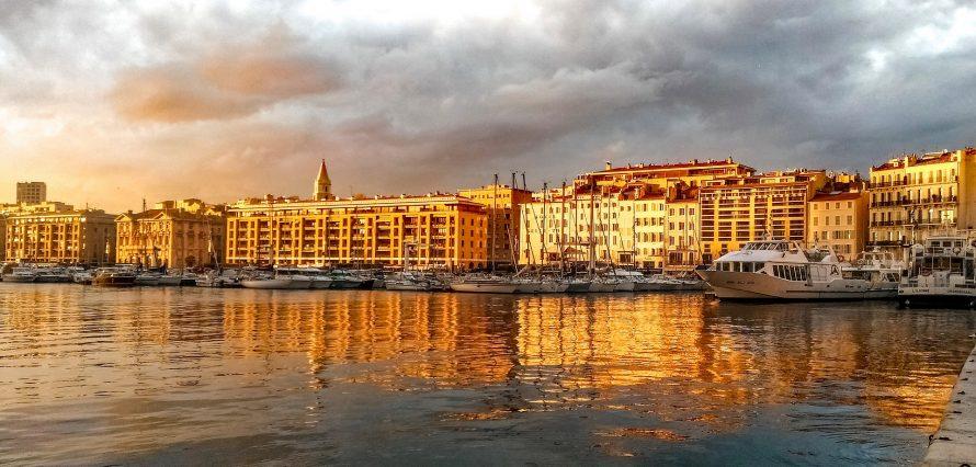 Location de jet privé et hélicoptère à Marseille Provence