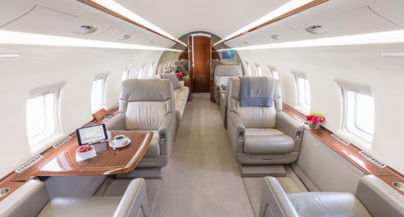 Location d'un jet privé CHALLENGER 604