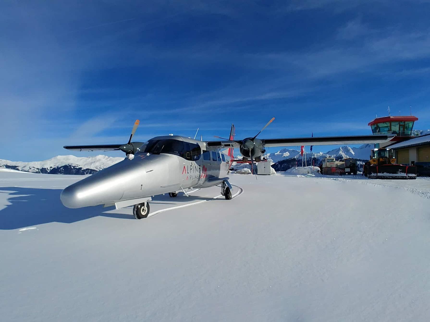 vulcanair aviator sur la piste de courchevel