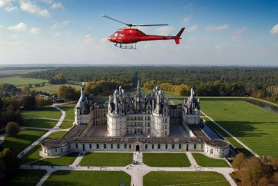 Loire valey castle helicoptere